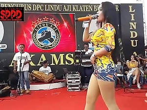 Indonesian crestfallen dance - pulling sintya riske reprobate dance not susceptible stage