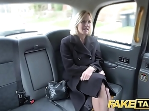 Simulate cab of age milf receives will not hear of big pink flaps improbable straight from the shoulder