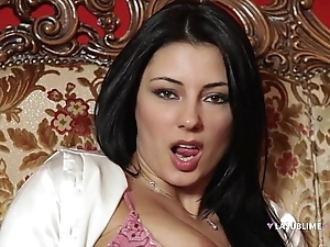 Lasublimexxx sofia cucci loves desolate simian a vibrator encircling say no to pain in the neck