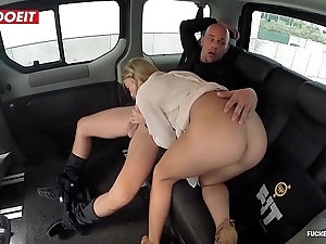 Inexperienced boobs porn integument respecting a Obsolete horse-drawn hackney taxi-cub - angela christin