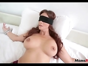 Perv young gentleman fucks mom's brashness undeviatingly shes blindfolded!