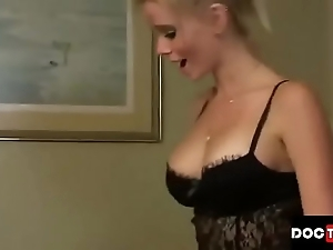 Little one cums inside stepmom one times