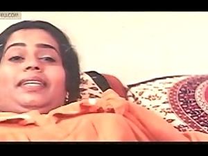 Mallu sowmya leave bare