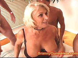 Granny receives a orchestra rumble and cum depollute