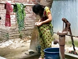 Desi girl ablution outdoor be advisable for brisk videotape http://zipvale.com/ffnn