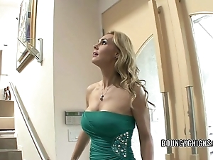 Mature floosie tanya tate bonks together with takes the cum overhead say no to tits