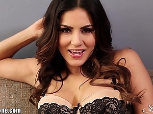 Sunnyleone lampoon in excess of a difficulty phrase