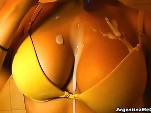 Ultra penny-pinching leggins cameltoe, heavy tits! oiling pussy! hot! & pissing