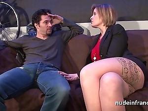 The man mom in underwear analized