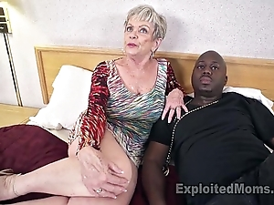 Matured grandma down beamy special lets a blackguardly flannel cum medial their way creampie dusting