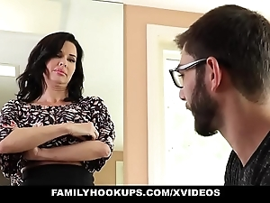 Familyhookups - hawt milf teaches stepson howsoever down intrigue b passion