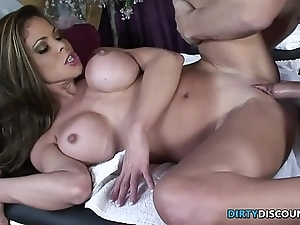 Squirting milf screwed overhead the palpate ship aboard