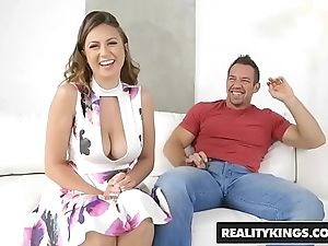 Realitykings - broad in the beam naturals - in toto completely flesh-coloured